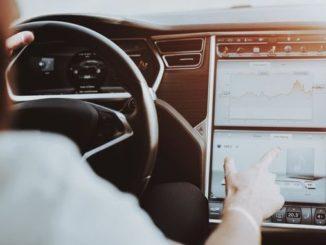 Smart Intégrations Mag, Audio, Vidéo, Sécurité, Smart Building et Reseaux – Une Tesla «S» convertie en centrale de surveillance mobile.