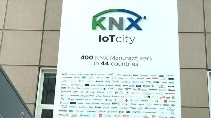 Smart Intégrations Mag, Audio, Vidéo, Sécurité, Smart Building et Réseaux – Affiche KNX